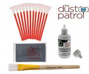 The Dust Patrol Kit mit 12x Alpha Swabs APS-C + Gamma Sensorreiniger + Mikrofasertuch + D-SLR Sensorspinsel